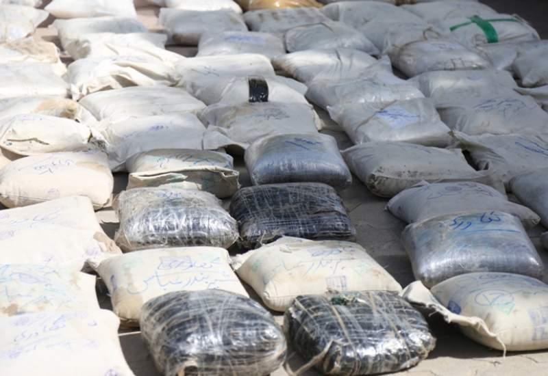 تعقیب و گریز پلیس با سمند حاوی 168 کیلو  تریاک